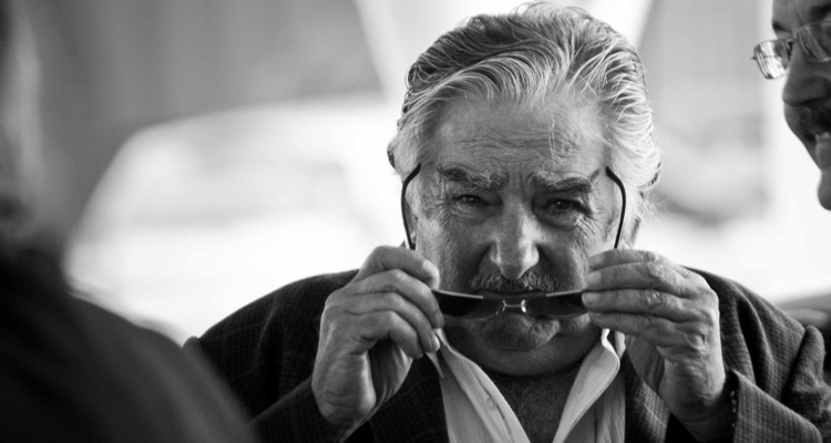 Mujica, gobernante admirado por intelectuales, rockeros, revolucionarios y conservadores