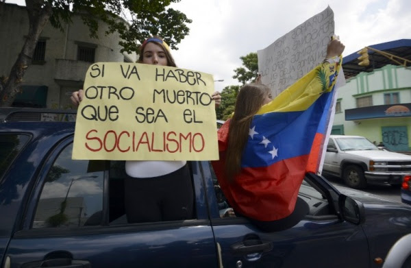 La verdad sobre Venezuela:  Una revuelta de ricos, no una «campaña de terror»