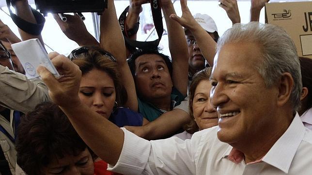 El FMLN vence en unas presidenciales salvadoreñas muy reñidas