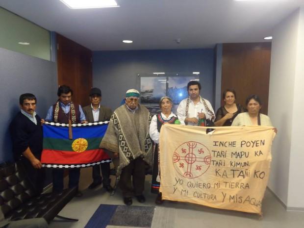 Comunidades mapuche de Futrono y Lago Ranco rechazan instalación de piscicultura ante Tribunal Ambiental de Santiago