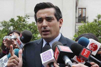 Peñailillo sale defender la Reforma del Binominal