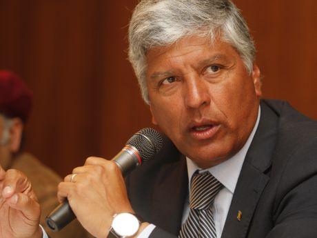 Alcalde de Valparaíso  enfrenta las críticas y reconoce haber pensado en renunciar