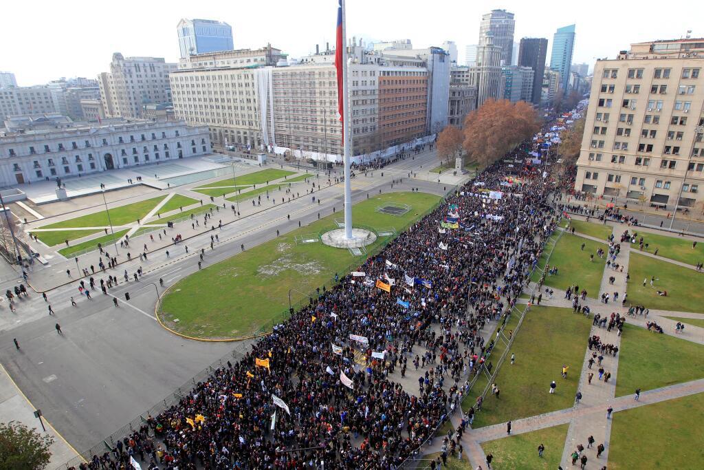 100 mil personas en la primera marcha estudiantil del año ( Sigue el minuto a minuto junto a El Ciudadano)