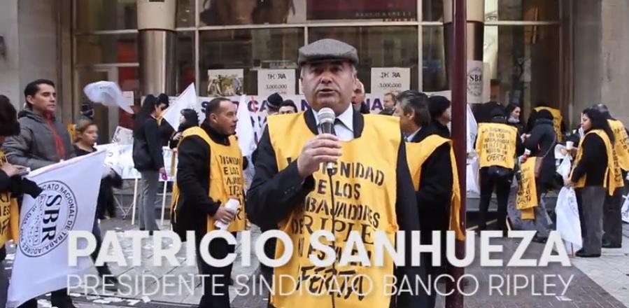 Trabajadores del banco Ripley en huelga (Video)