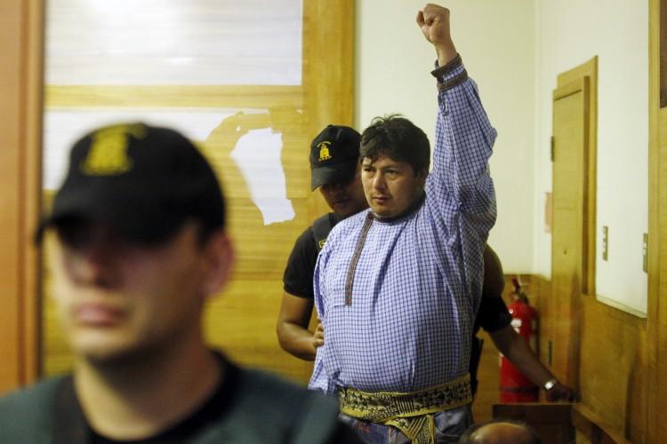 Denuncian grave estado de salud de Celestino Córdova por falta de atención espiritual mapuche