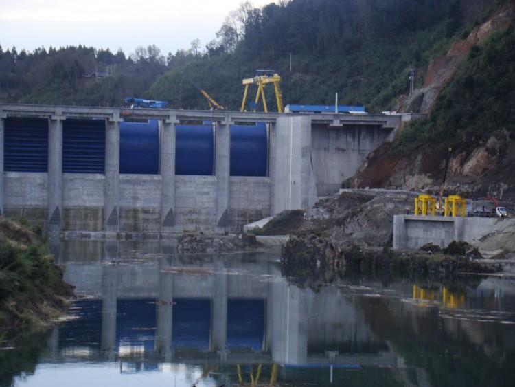 Central Hidroeléctrica Angostura: La influencia del poder económico por sobre el Estado