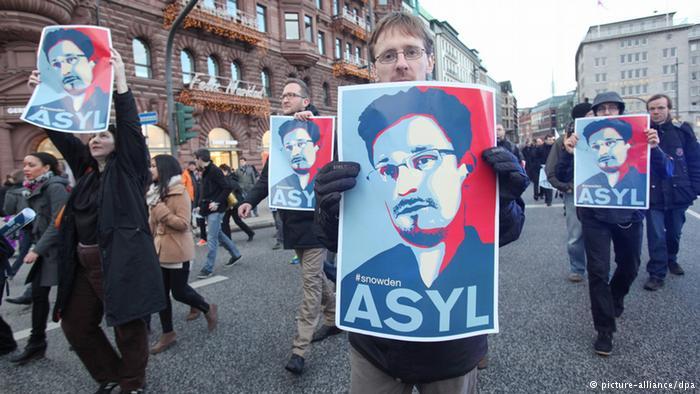 Snowden recibe permiso de residencia en Rusia por un plazo de tres años