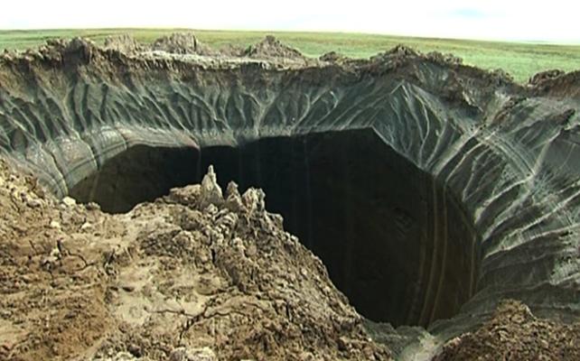 El «cráter del fin del mundo», consecuencia del cambio climático