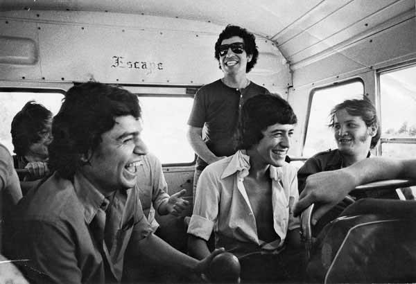 A 42 años de la muerte de Víctor Jara: 110 fotos suyas que quizá no conoces