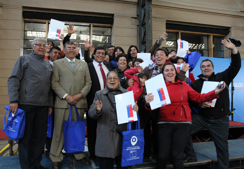 """Ministro Osorio en entrega de Títulos de Dominio: """"Es parte del desafío a que nos convoca la Presidenta para construir un Chile de todos"""""""