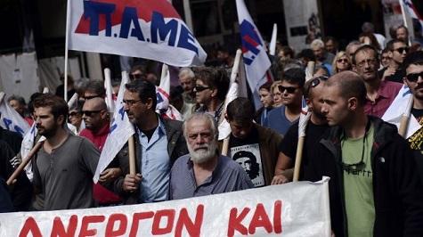 Miles de personas marchan en Atenas contra las políticas capitalistas del gobierno