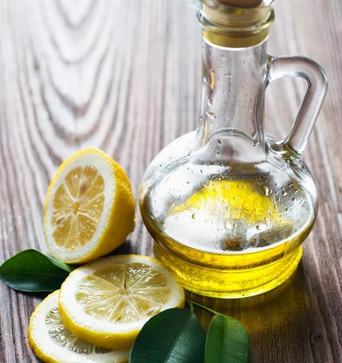 Descubre los beneficios curativos de esta simple mezcla de aceite de oliva con limón