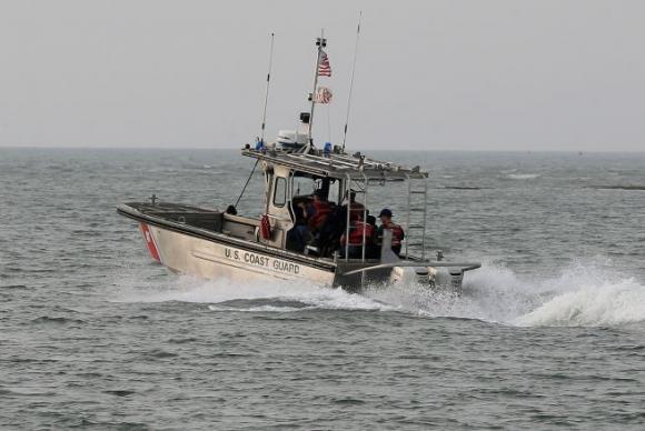 Rescatan a 33 inmigrantes cubanos en aguas cerca de EE.UU.