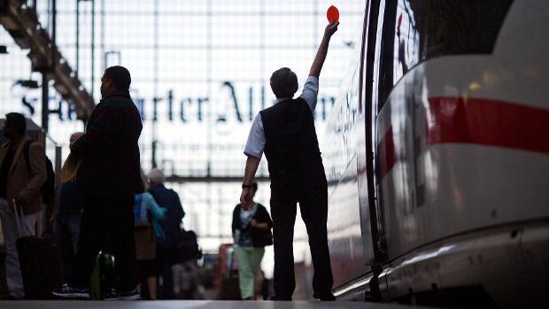 Alemania: Trabajadores el ferrocarril en huelga por mejoras laborales