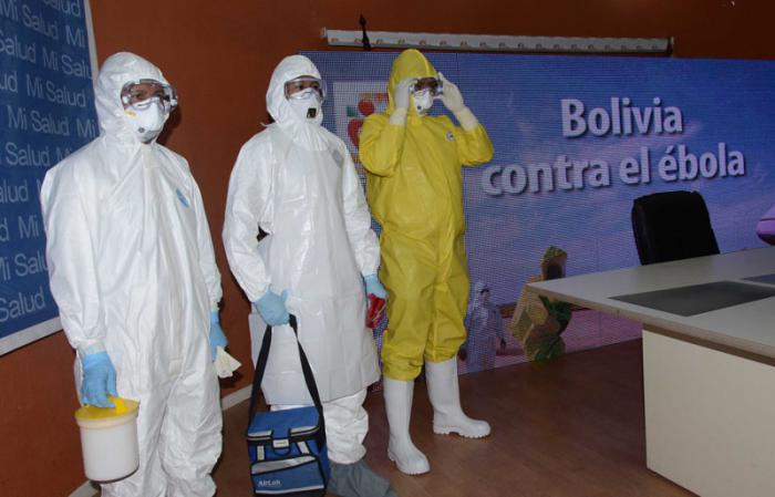 Cuba prepara a médicos bolivianos en la lucha contra el ébola