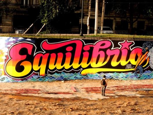 Borrado el mural de Elliot Tupac en el río Mapocho