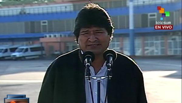 Evo Morales saluda solidaridad de Cuba para combatir el ébola