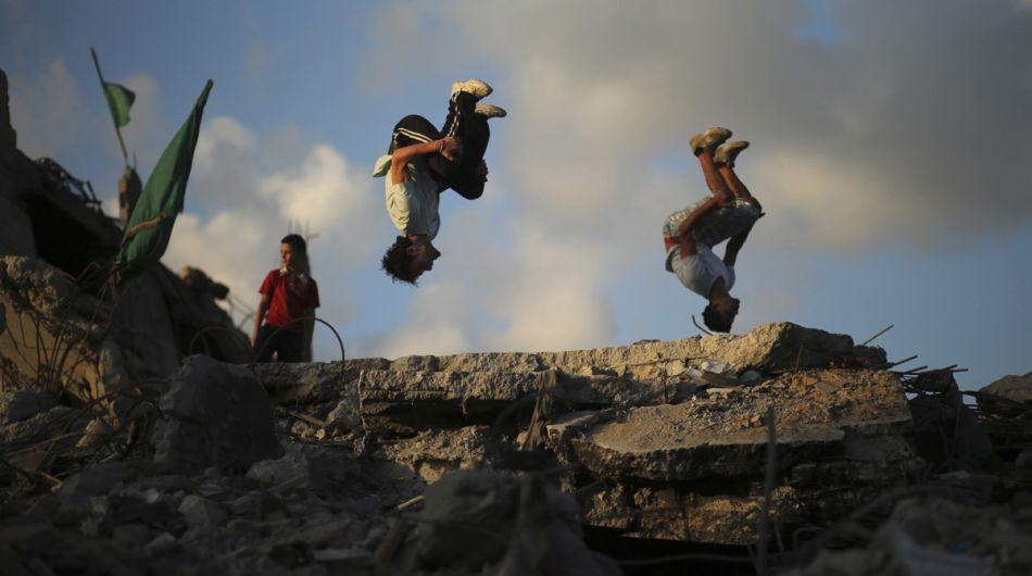 FOTOS: Asombrosas piruetas se imponen ante la destrucción de Gaza