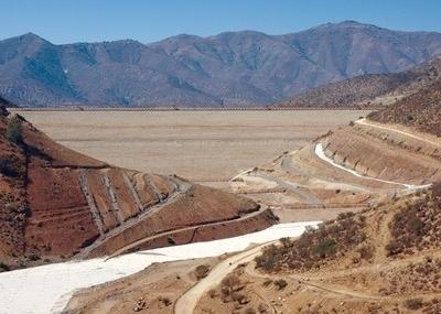 Comunidad de Caimanes exige cierre de tranque de relave en minera Los Pelambres