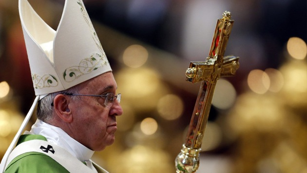 «Lo que debe hacer es trabajar»: Movilh enfrenta a presidente de la Cámara ante postergación en Identidad de Género por visita del Papa