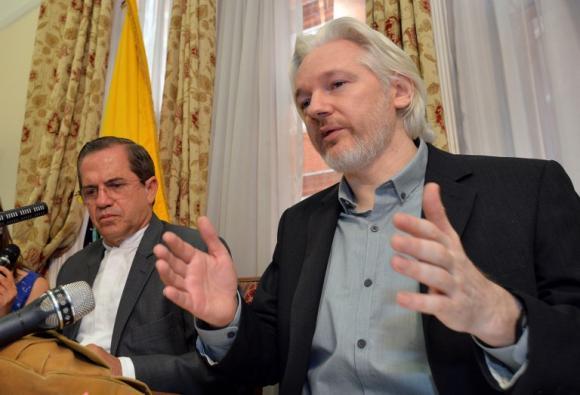 Ecuador reafirma decisión de proteger a Assange «el tiempo que sea necesario»