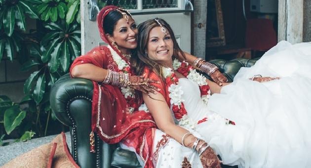 La boda lésbica hindú que está recorriendo las redes sociales