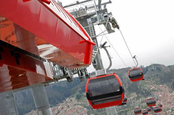 Nuevos teleféricos mejoran el transporte en La Paz