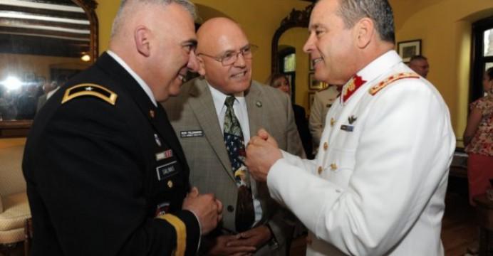 Falso patriotismo en las Fuerzas Armadas