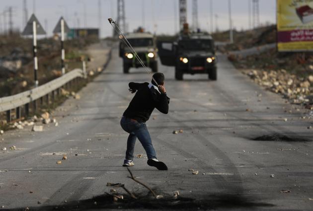 """Israel aprueba penas de 20 años de cárcel para los """"lanzadores de piedras"""""""