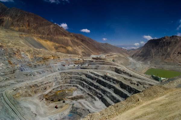 Acusan a Anglo American de desvío de cauces de Río Aconcagua para su yacimiento minero en Los Bronces