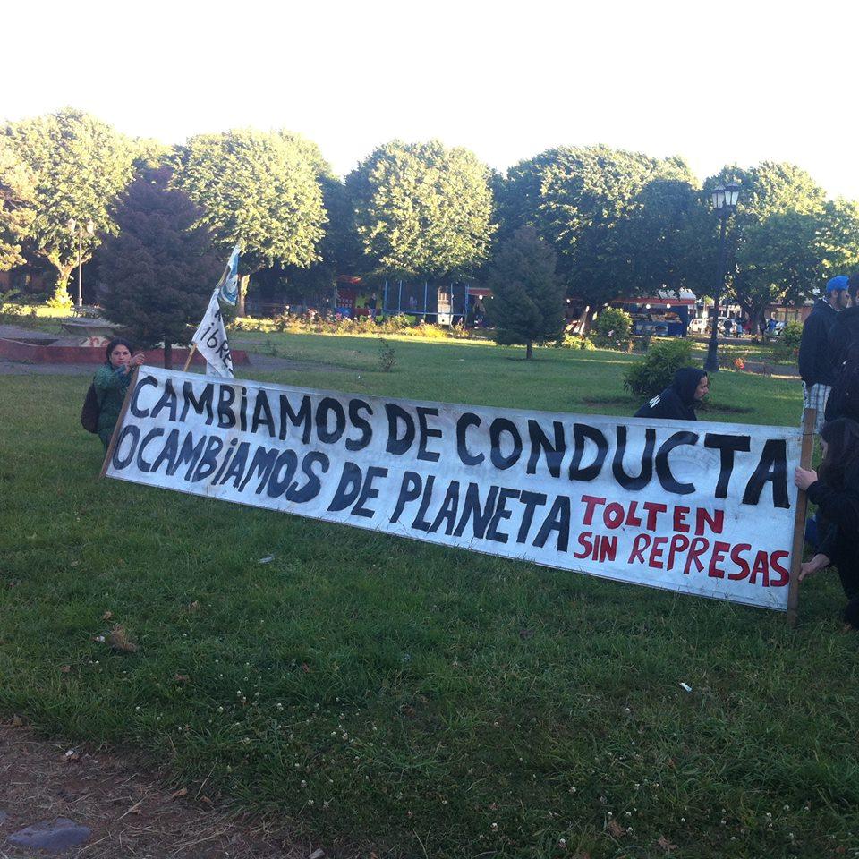 Nuevo corte de ruta en Pitrufquén contra hidroeléctrica en Río Toltén