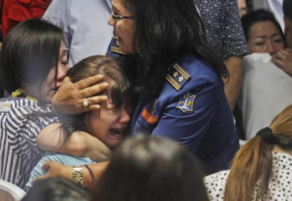 Descubren 40 cuerpos en el mar de Java tras la desaparición del avión malasio