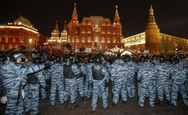 130 personas fueron detenidas en Moscú en una protesta contra Putin