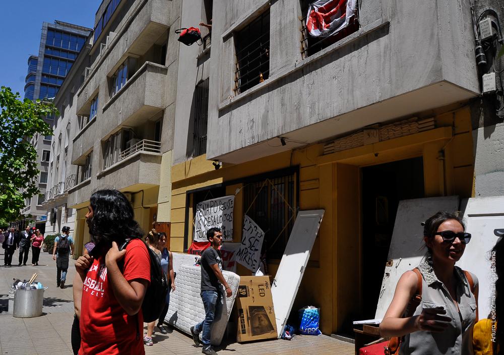 Desalojo con extrema violencia en Casa Recuperada Mapocho Rebelde