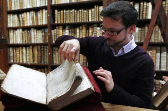 Biblioteca francesa descubre ejemplar de obra de Shakeaspeare