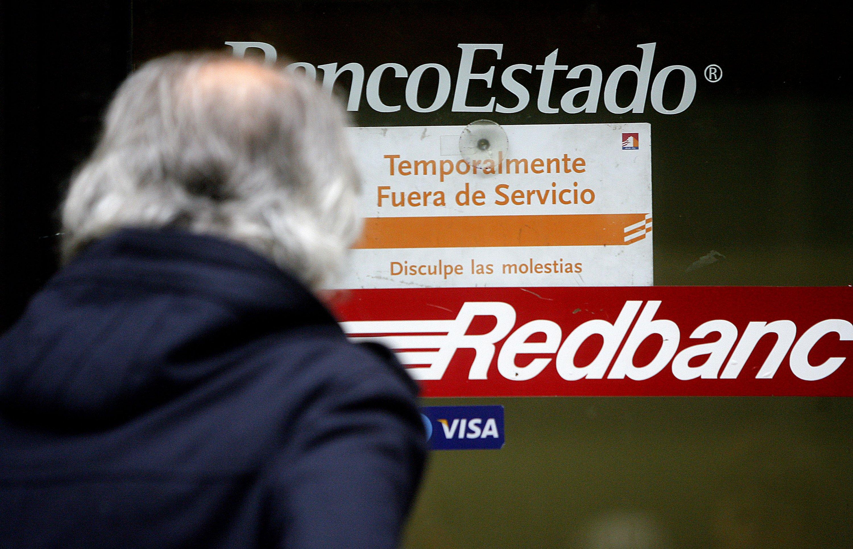 Buscan obligar a los Bancos a tener cajeros automáticos operativos las 24 horas