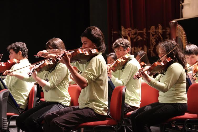 Orquestas Sinfónicas Juveniles realizarán concierto navideño con entrada liberada en el Centro Cultural Estación Mapocho