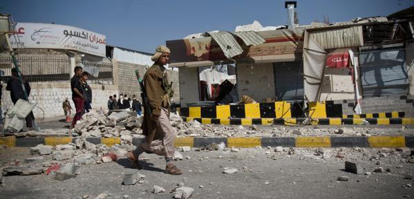 Intento golpista en Yemen: grupo armado rodeó el palacio presidencial