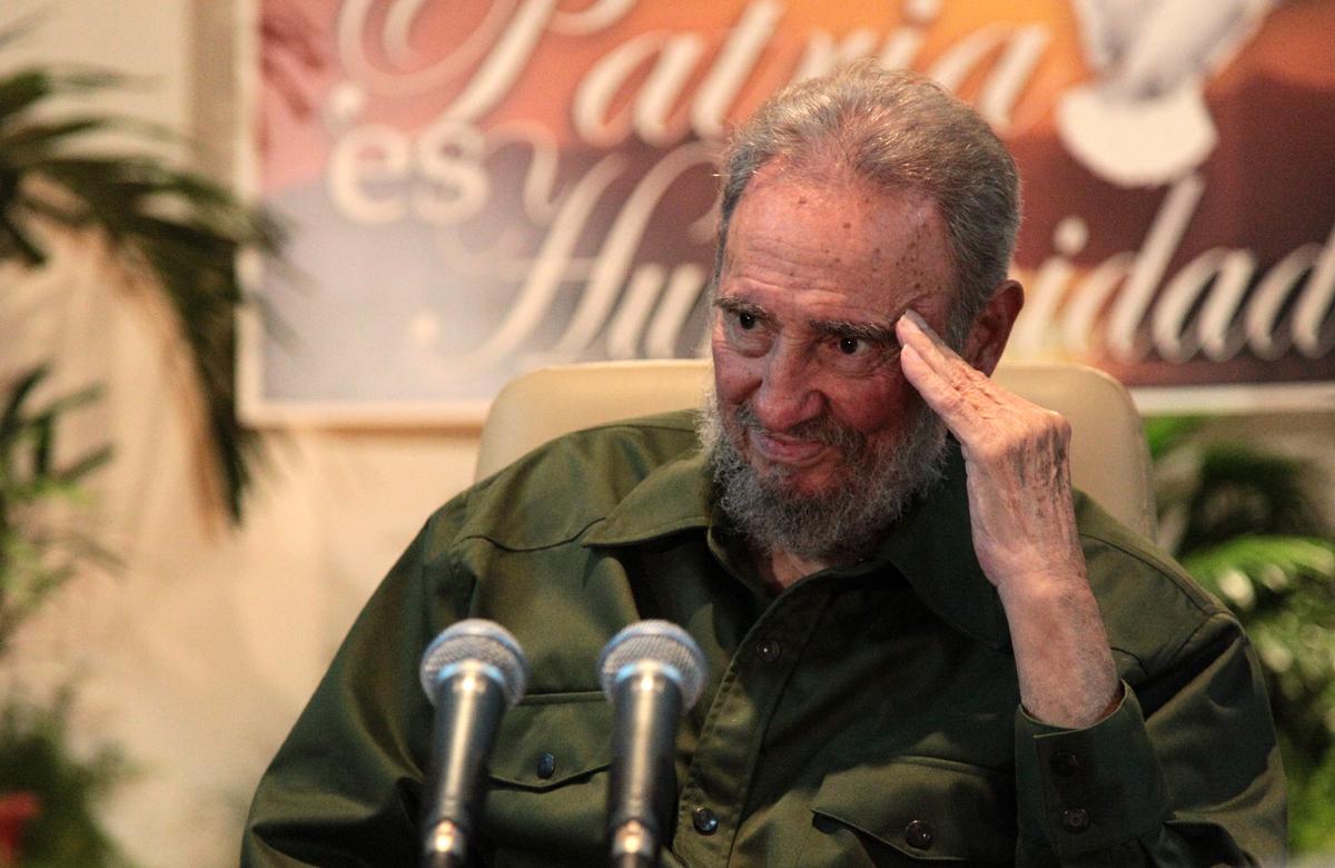 Fidel no confía en EEUU pero respalda la solución pacífica a los conflictos