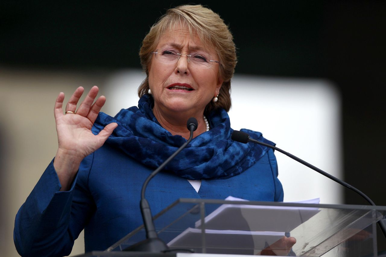 Enfrentamiento UDI v/s Gobierno por presuntos aportes extranjeros a campaña de Bachelet