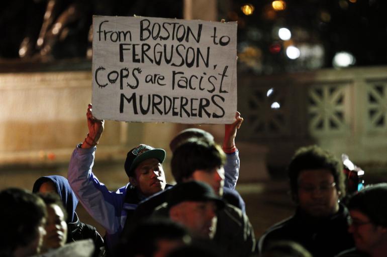 Protestas en Boston durante la noche de fin de año por asesinatos de afroamericanos