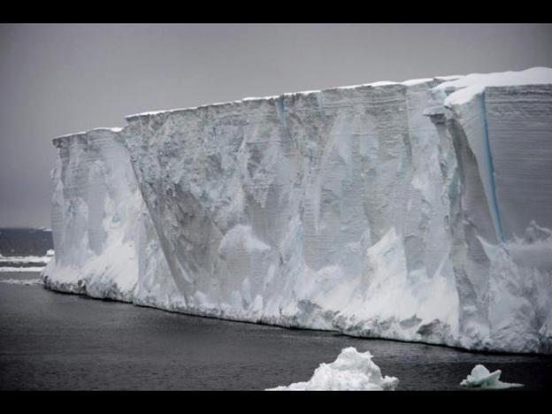 Uno de los glaciares más grandes del mundo se derrite en la Antártica