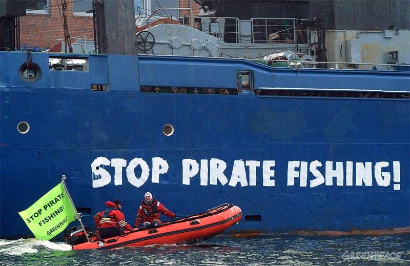 Greenpeace exige a España que aclare vínculos con pesqueros piratas detectados en la Antártica