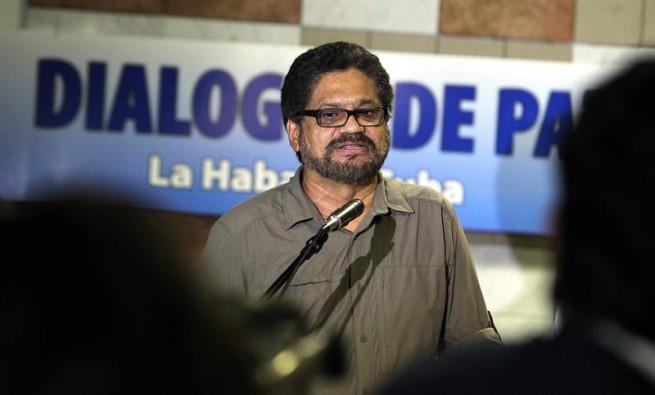 """Colombia: """"Iván Márquez"""" de las FARC advierte a Santos que el acuerdo de paz """"está en crisis"""""""