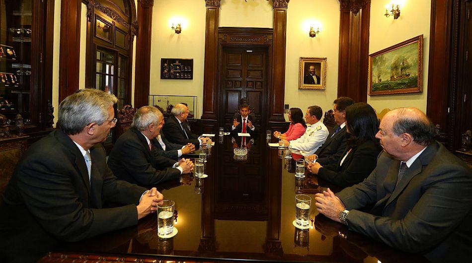 Humala convoca a los principales líderes políticos para abordar un supuesto caso de espionaje chileno
