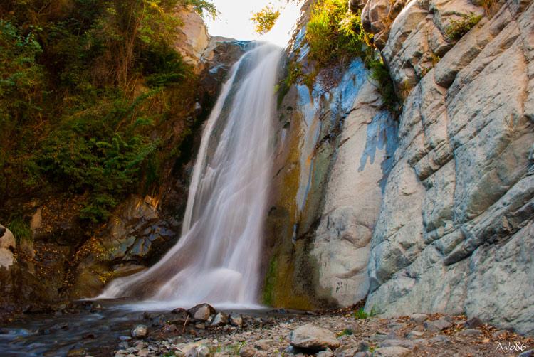 Santiago: Un trekking gratis por las cascadas de la Quebrada de Macul