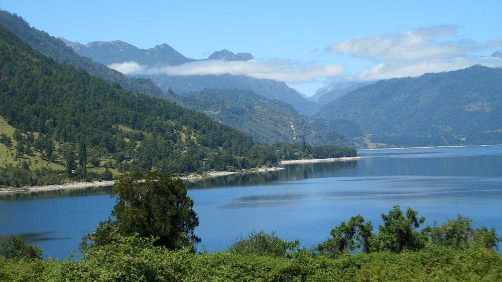 Comunidades mapuche solicitan a turistas no ingresar a Lago Maihue