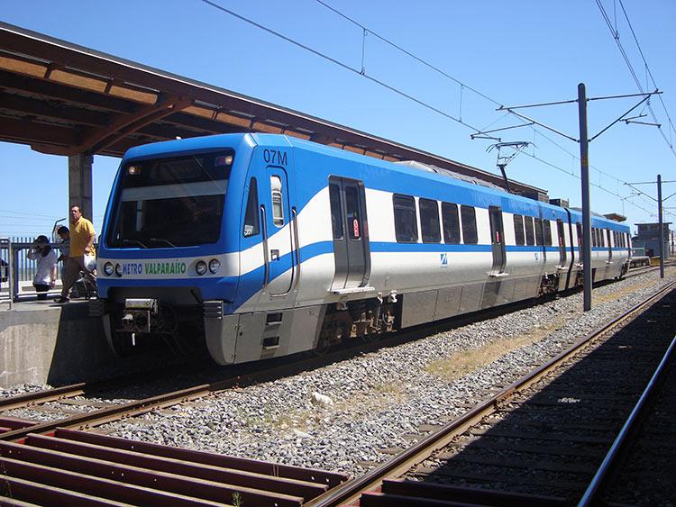 Valparaíso: Tres heridos por descarrilamiento del Metro