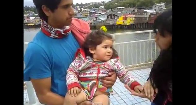 Carabineros abandonaron a una niña de dos años en la calle tras detener a su madre [VIDEO]