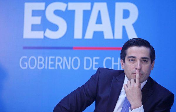 """En medio del mutismo de la Nueva Mayoria sobre """"creditazo"""" a Dávalos, Peñailillo reafirma principio de máxima transparencia"""